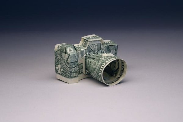 Photographers , Earn Money Easily - Mast Creations
